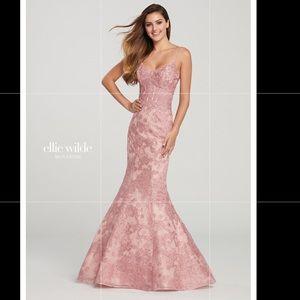 NWT Ellie Wilde Color is Rose